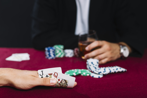 what hands to fold in poker