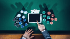 advantages of online poker